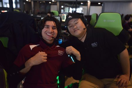 Two Chicago esports players