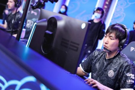 TSM Doublelift losing at Worlds